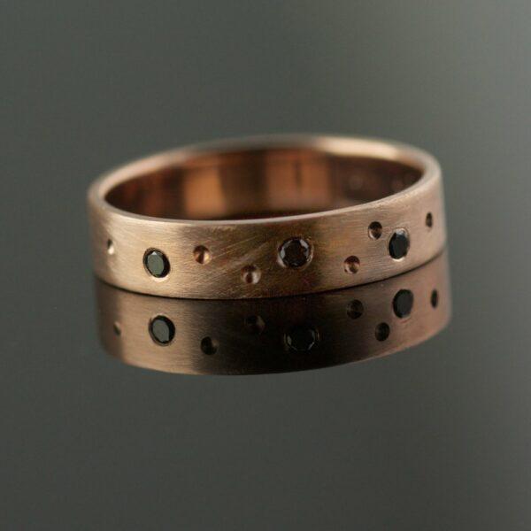 4mm rose gold band black diamonds