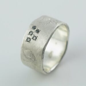 organic ring with black diamonds silver