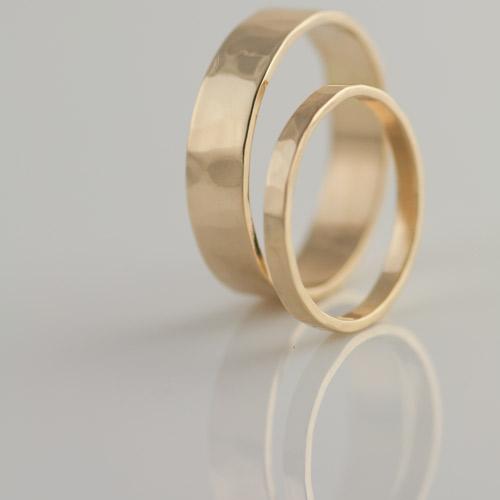 hammered yellow gold wedding ring set