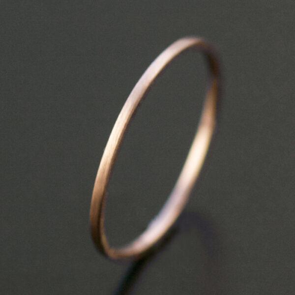 thin rose gold ring