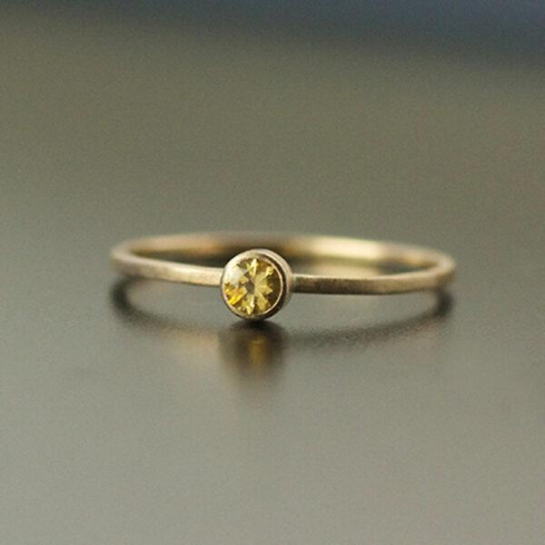 3mm yellow montana sapphire in yellow gold engagement