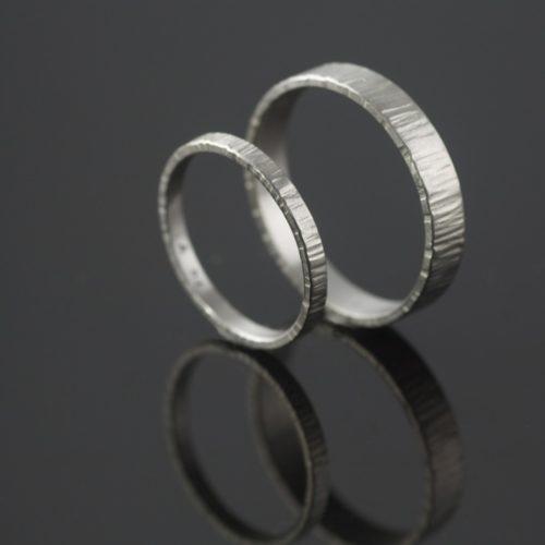 hammered platinum wedding ring set