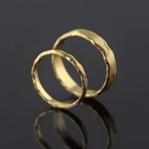 melted gold ring set