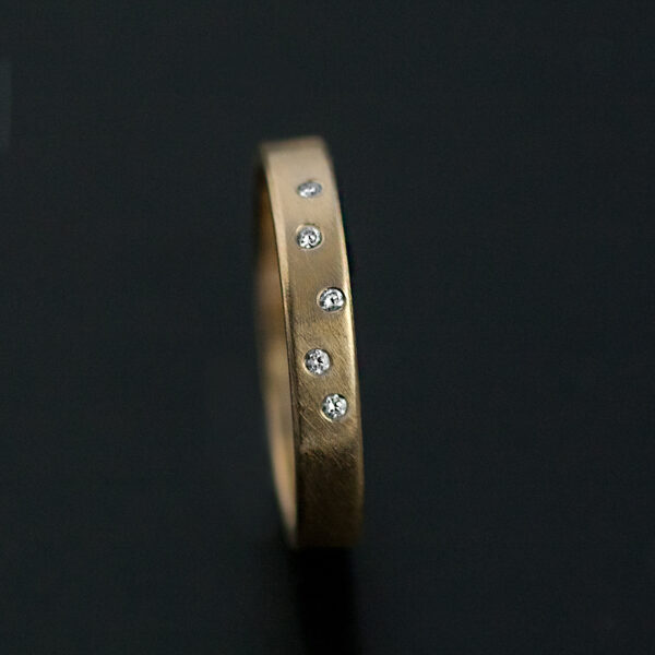 wedding ring small diamonds