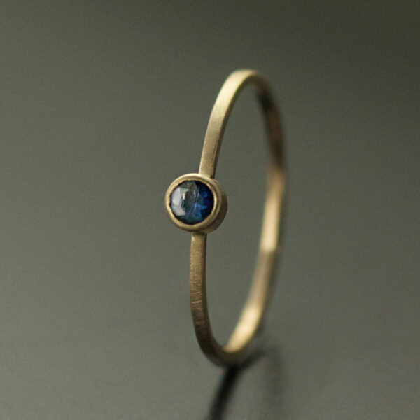 sapphire ring 3mm blue